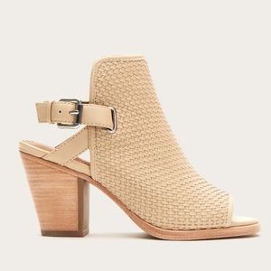 New Frye Dani Woven Shield Heels Size 9 Beige